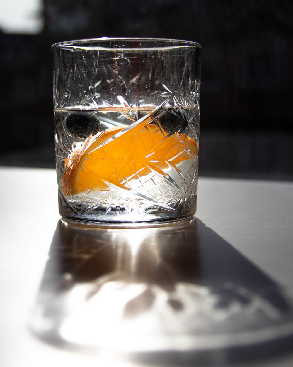 How to improve photography with an Instagram challenge. Photography drink with back light.